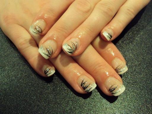 Décoration sur ongles en gel